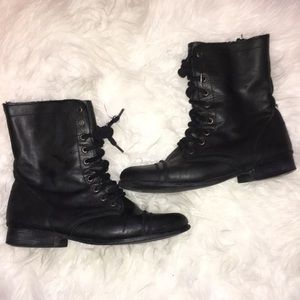 STEVE MADDEN BLACK COMBAT BOOTS WITH LACES